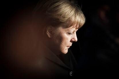 A chanceler Angela Merkel, ao visitar o memorial de Auschwitz, na Polônia, em 6 de dezembro de 2019.