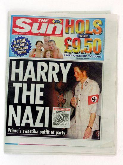 El periódico 'The Sun' publicó en enero de 2005 una imagen de Harry vestido de soldado nazi durante una fiesta.