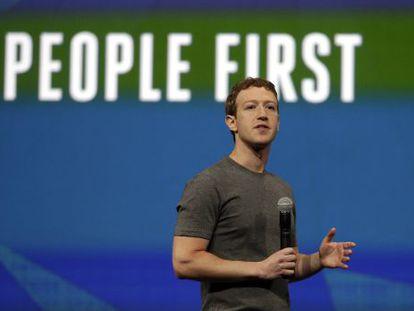 Mark Zuckerberg em uma conferência do Facebook em abril.
