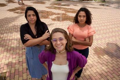 Da esquerda para a direita, as vereadoras Ana Clara Junqueira, Bia Bogossian e Ana Clara Araújo, na segunda-feira em Três Rios.