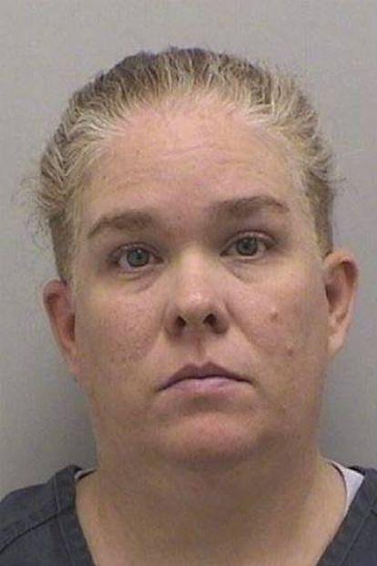 Kelly Turner Gant, mãe de Olivia Gant, na foto policial.