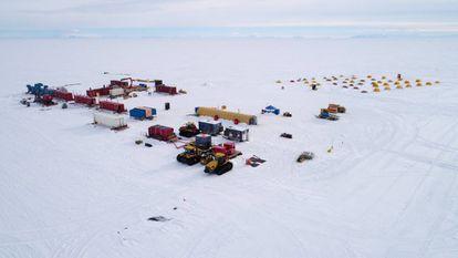 Vista aérea do acampamento.