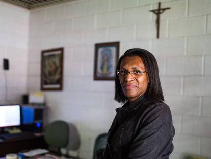 Paula Beatriz Souza, diretora de uma escola estadual de SP.