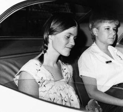 Linda Kasabian numa imagem da época do julgamento.