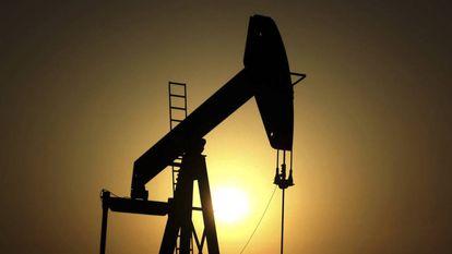 Instalação petrolífera no Bahrein.