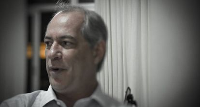 Em suas passagens por São Paulo, Ciro divide o apartamento com um dos filhos e um sobrinho.