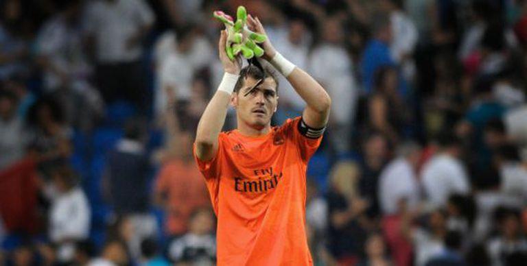Casillas, durante um jogo da Liga Espanhola no Santiago Bernabéu.