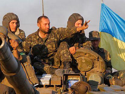 Soldados ucranianos em Mariupol