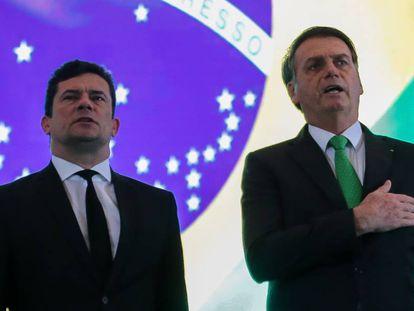 Presidente Jair Bolsonaro participa ao lado do ministro da Justiça, Sergio Moro, da cerimônia de encerramento dos cursos de formação profissional para ingresso na carreira Policial Federal.