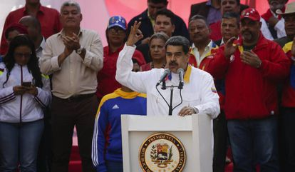 Nicolás Maduro comemora na segunda-feira em Caracas o aniversário de sua eleição.