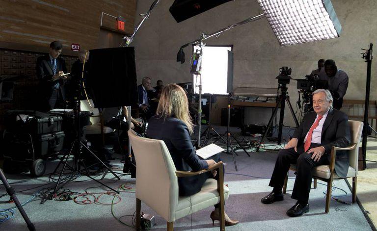 O secretário geral da ONU, António Guterres, durante a entrevista, em Nova York.