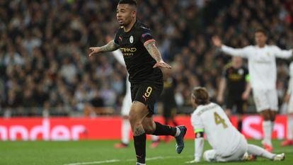 Gabriel Jesus comemora gol marcado no Real Madrid.