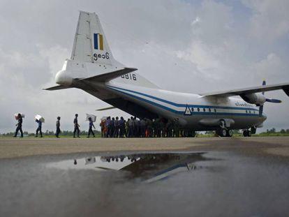 Encontrados corpos e fuselagem do avião militar acidentado em Myanmar