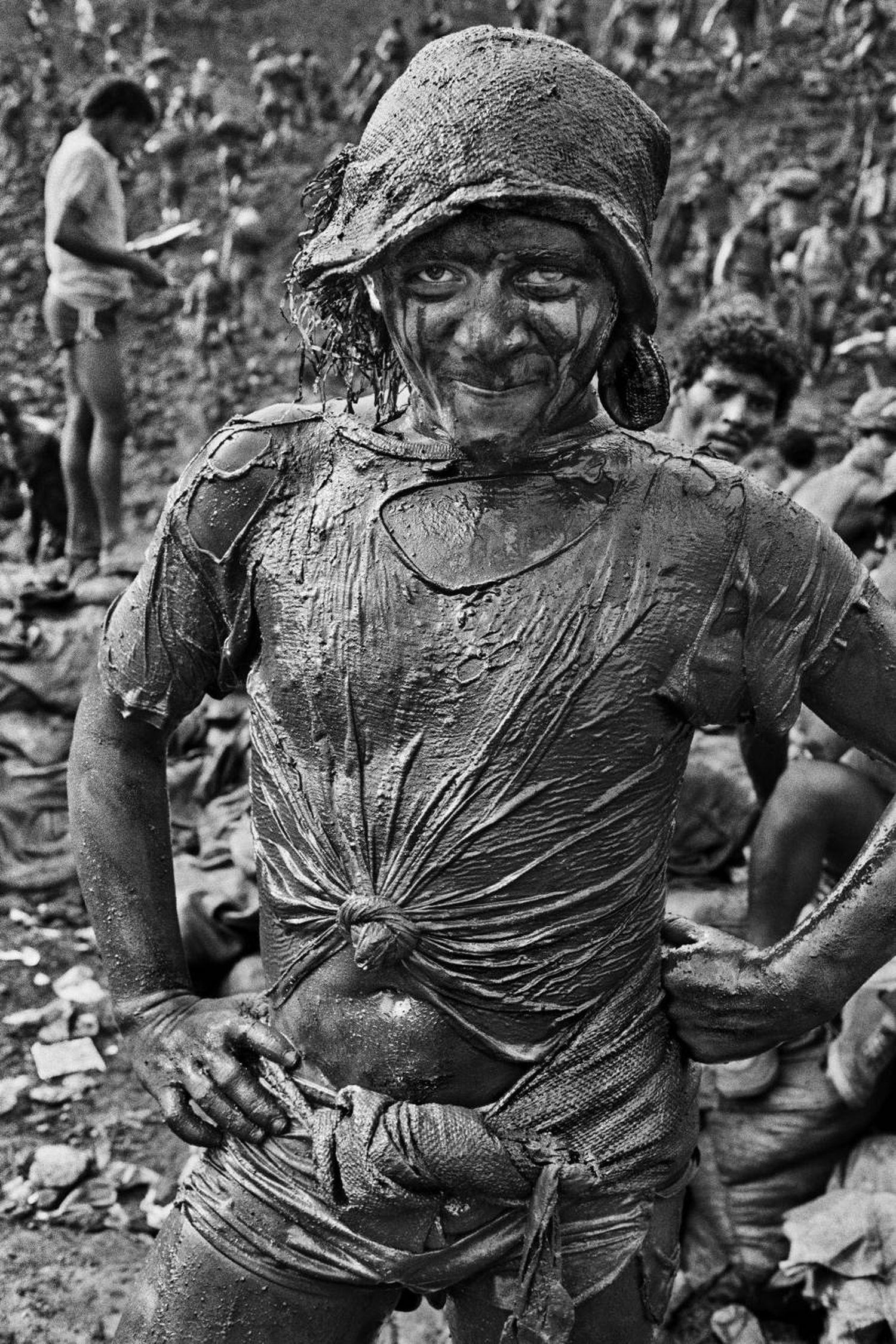 Uma das pessoas que chegaram a Serra Pelada na febre do ouro, fotografada em 1986.