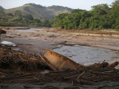O Rio Doce no dia 12 de novembro, depois do desastre em Mariana.