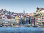 Embarcadero en el río Duero, a su paso por Oporto