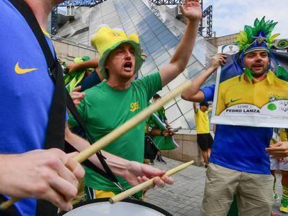 Torcedores brasileiros em Kazan, na Rússia.