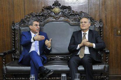 O senador Romero Jucá (esq.) com o presidente do Senado, Renan Calheiros.
