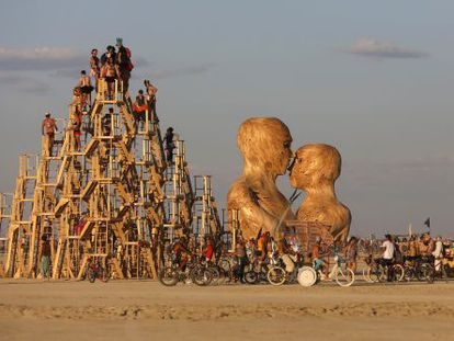 Uma das instalações do Burning Man em Nevada.