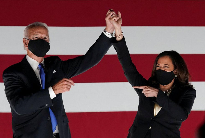 Joe Biden e Kamala Harris, nesta quinta-feira, durante o encerramento da Convenção Democrata.