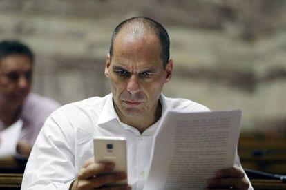 Yanis Varoufakis antes de uma reunião no Parlamento grego em 10 de julho.