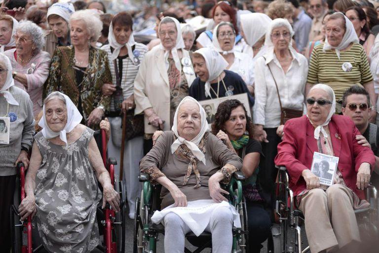 Avós da Praça de Maio, em uma manifestação em Buenos Aires.