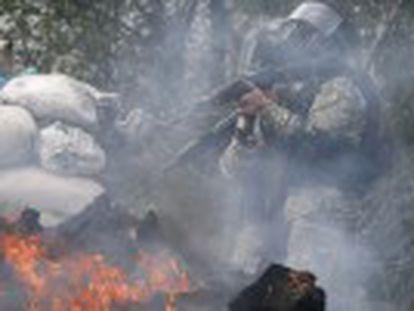 O Ministério do Interior ucraniano registra cinco mortos nos confrontos Putin adverte de que terá consequências se for confirmado que a Ucrânia utiliza seu Exército