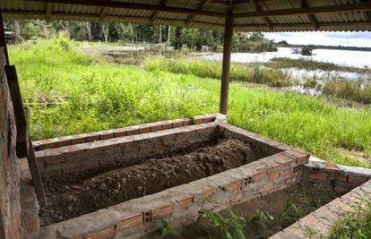 A sepultura de Jarliel, o juruna que morreu afogado no rio, tornou-se o símbolo do colapso do mundo dos Juruna depois de Belo Monte.