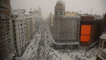 Após a nevasca do século, virá uma onda de frio com temperaturas mínimas abaixo dos 10 graus negativos. A nevasca caída em Madri é a maior desde 1971