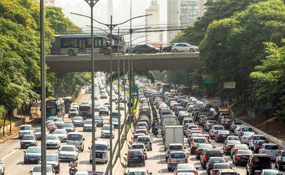 São Paulo vive congestionamento permanente.