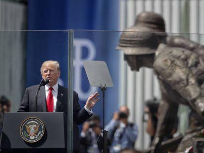 Trump, durante seu discurso na praça Krasinski de Varsóvia nesta quinta-feira.