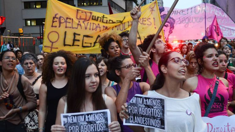 Manifestação pela legalização do aborto em dezembro de 2016