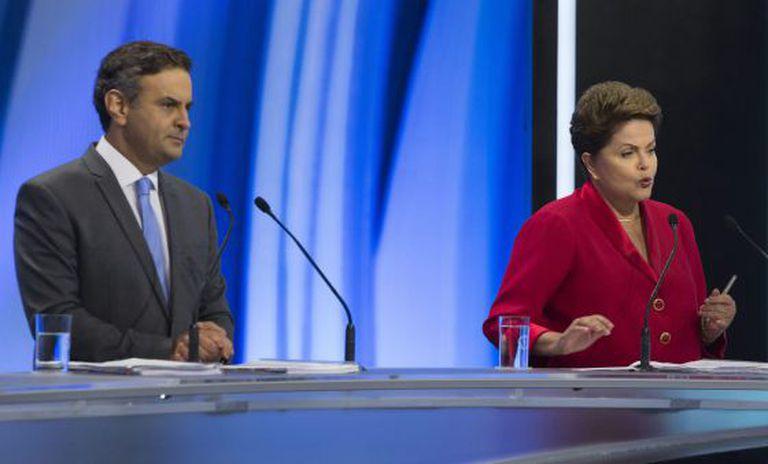 Aécio e Dilma no debate de domingo.