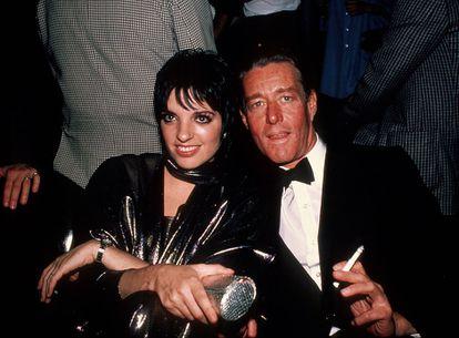 Liza Minelli com Halston em 1982.
