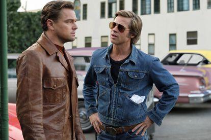 Pitt e DiCaprio, como Cliff e Rick, em 'Era Uma Vez... em Hollywood' (2019).
