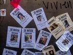 Carteles pegados con la foto de hombres agresores durante la marcha por el d'a internacional de la mujer en Ciudad de MŽxico el 8 de marzo de 2020. Las mujeres protestar‡n en las principales capitales de la regi—n por los feminicidios, la desigualdad y el derecho al aborto