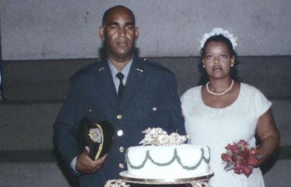 Foto de casamento de Úrsula com Ronaldo Francisco.