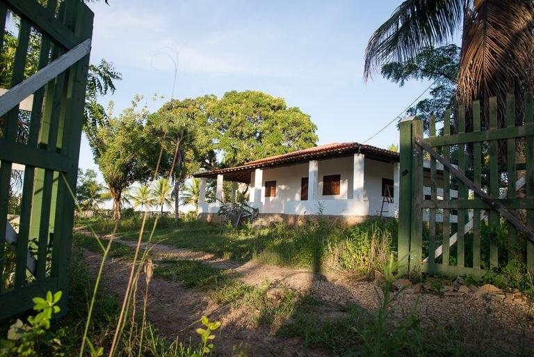 Vista da entrada do sítio em Esplanada (Bahia), onde Adriano Nóbrega foi morto.