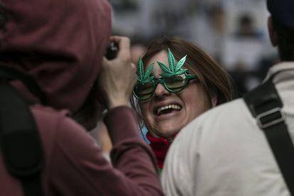 O colorido da marcha também é atrativo aos turistas que estão de passagem por Buenos Aires