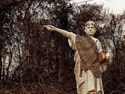 Estátua de Bolsonaro que, segundo divulgou o Greenpeace, foi erguida em área no Pantanal atingida por incêndios, nesta sexta.