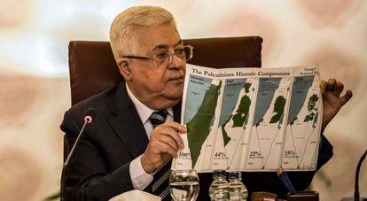 O presidente da Autoridade Palestina, Mahmoud Abbas, em entrevista coletiva, neste sábado, no Cairo.