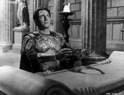 Christopher Plummer em uma cena de 'A queda do Império Romano', de 1964.