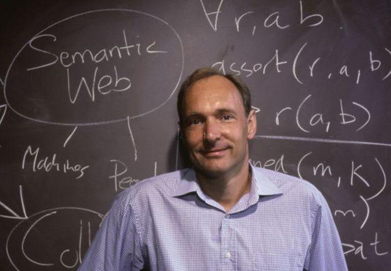 Tim Berners-Lee, inventor da World Wide Web, em 1999.