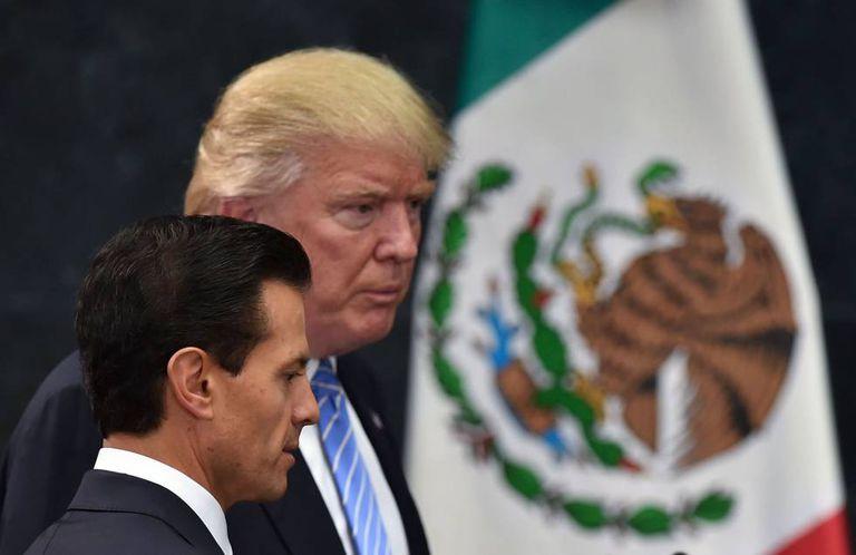 Peña Nieto e Trump durante a conferência de imprensa.