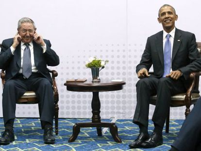 Obama e Castro durante o encontro bilateral.