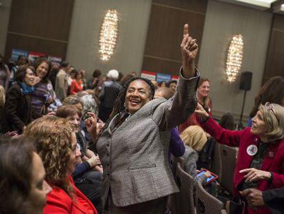 Partidárias do candidato democrata Andrew Cuomo, em Nova York.