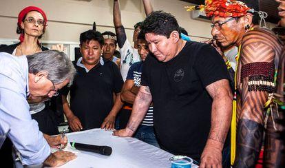 O presidente da Funai, Antônio Costa, assinou acordo em que se comprometia a fortalecer o escritório do órgão em Altamira.