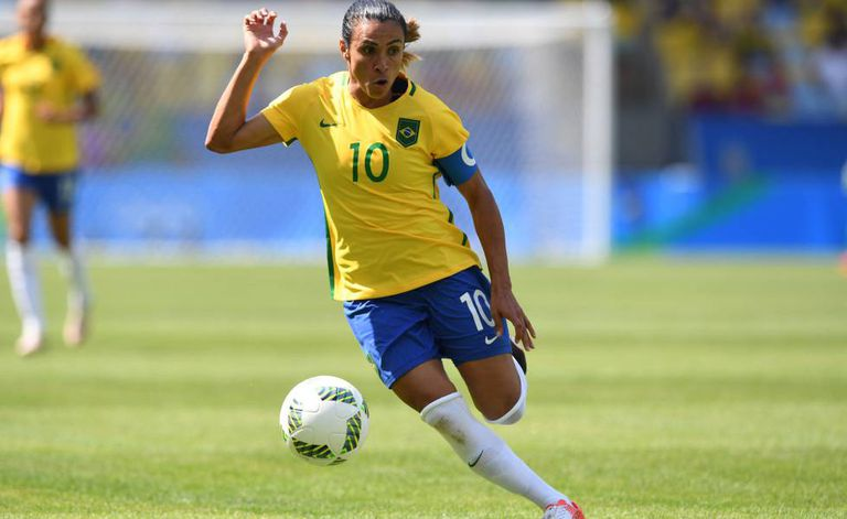 Marta contra a Suécia na semifinal.