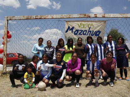 A equipe feminina de futebol mazahua.