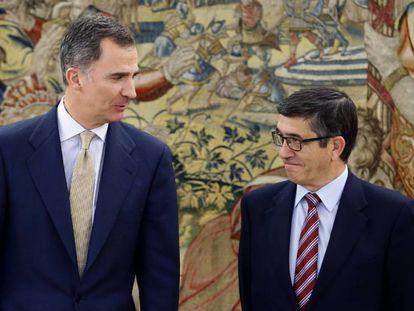 O Rei, na terça-feira, durante a rodada de consultas em Zarzuela.